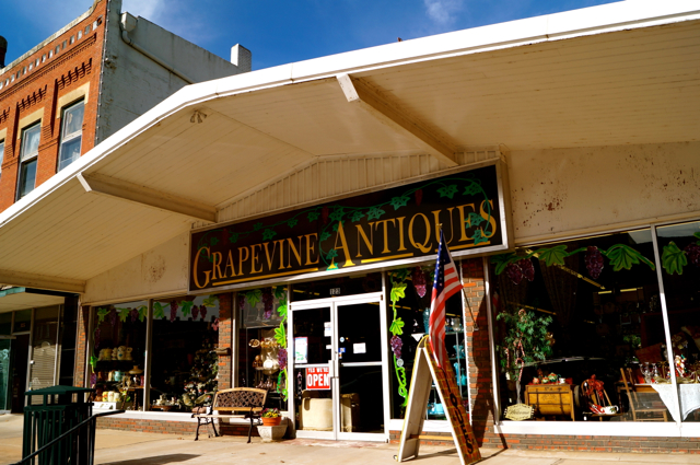 Grapevine Antique S Chickasaw Country