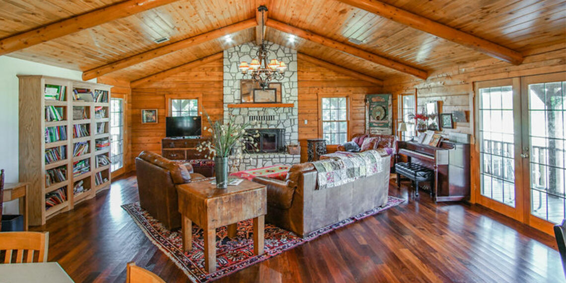 Living Area at Beyond Whit's End Farm and Retreat in Sulphur, Oklahoma