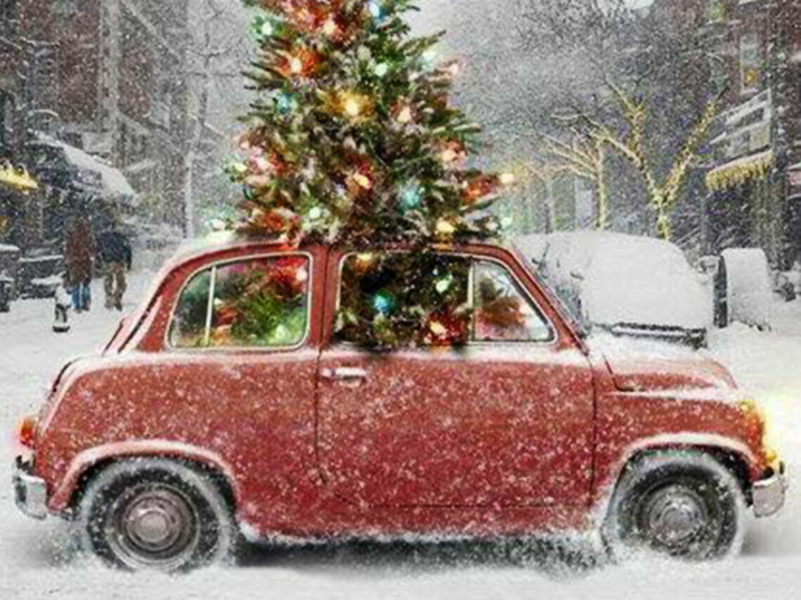 Car with a christmas tree in minco, Oklahoma