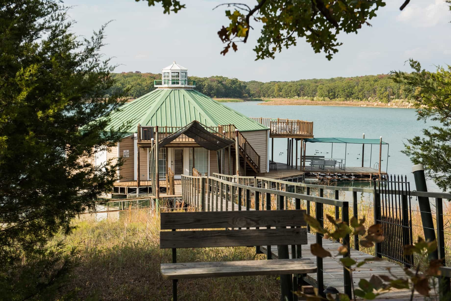 Lake Murray Floating Cabins - Chickasaw Country