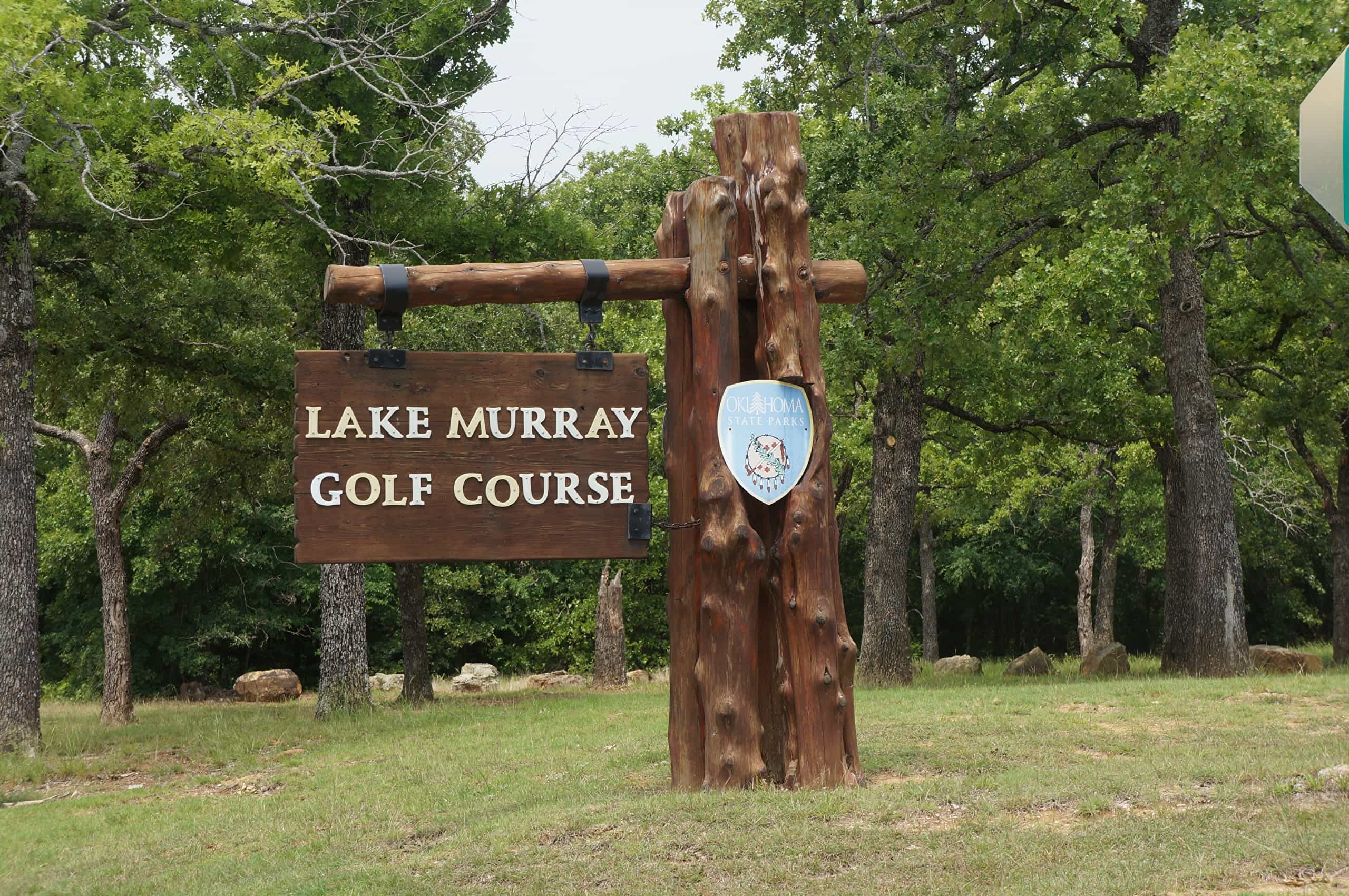 Golf course sign at lake murray in Ardmore, Oklahoma