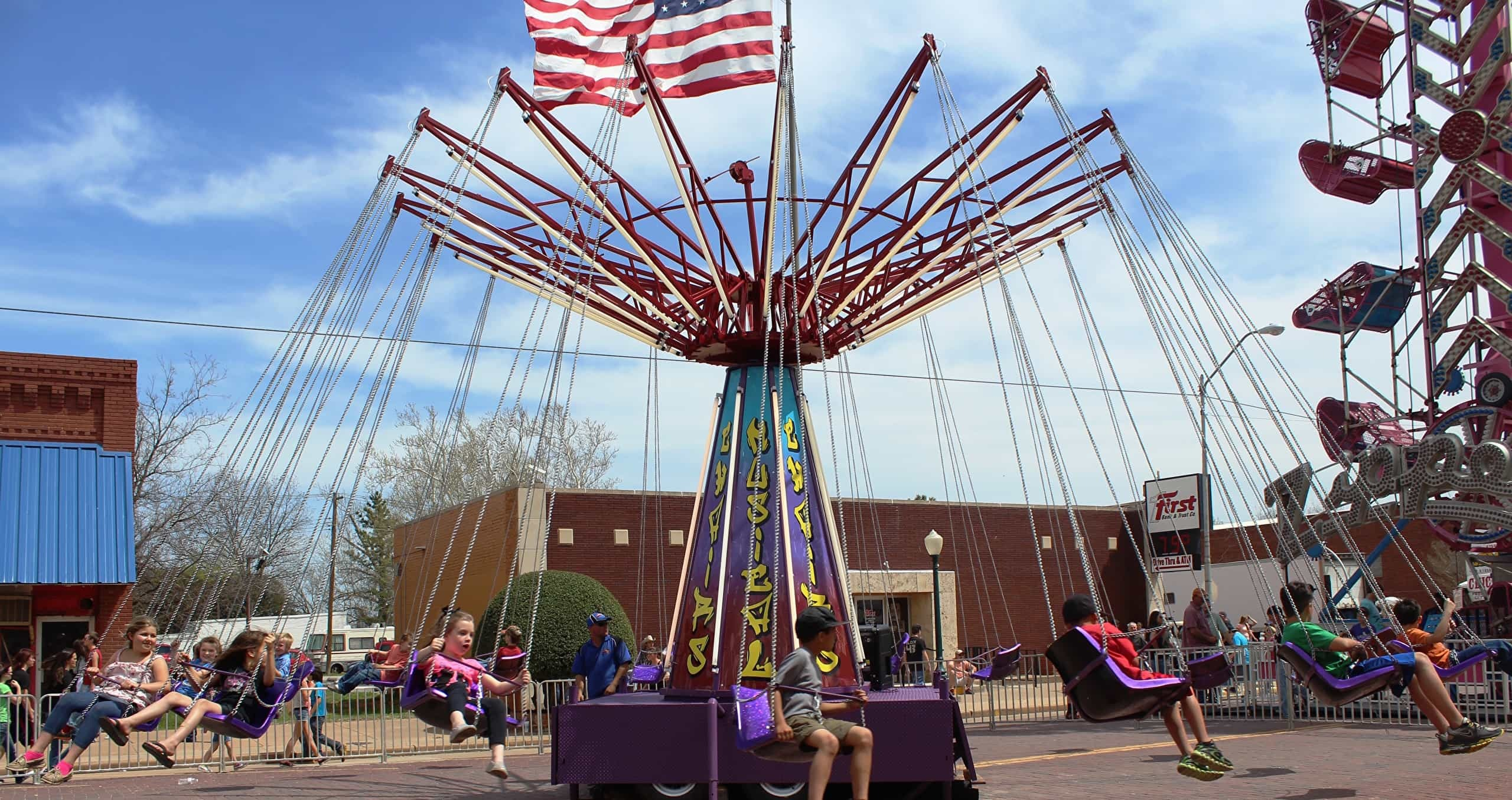 Swing ride at the love county festival