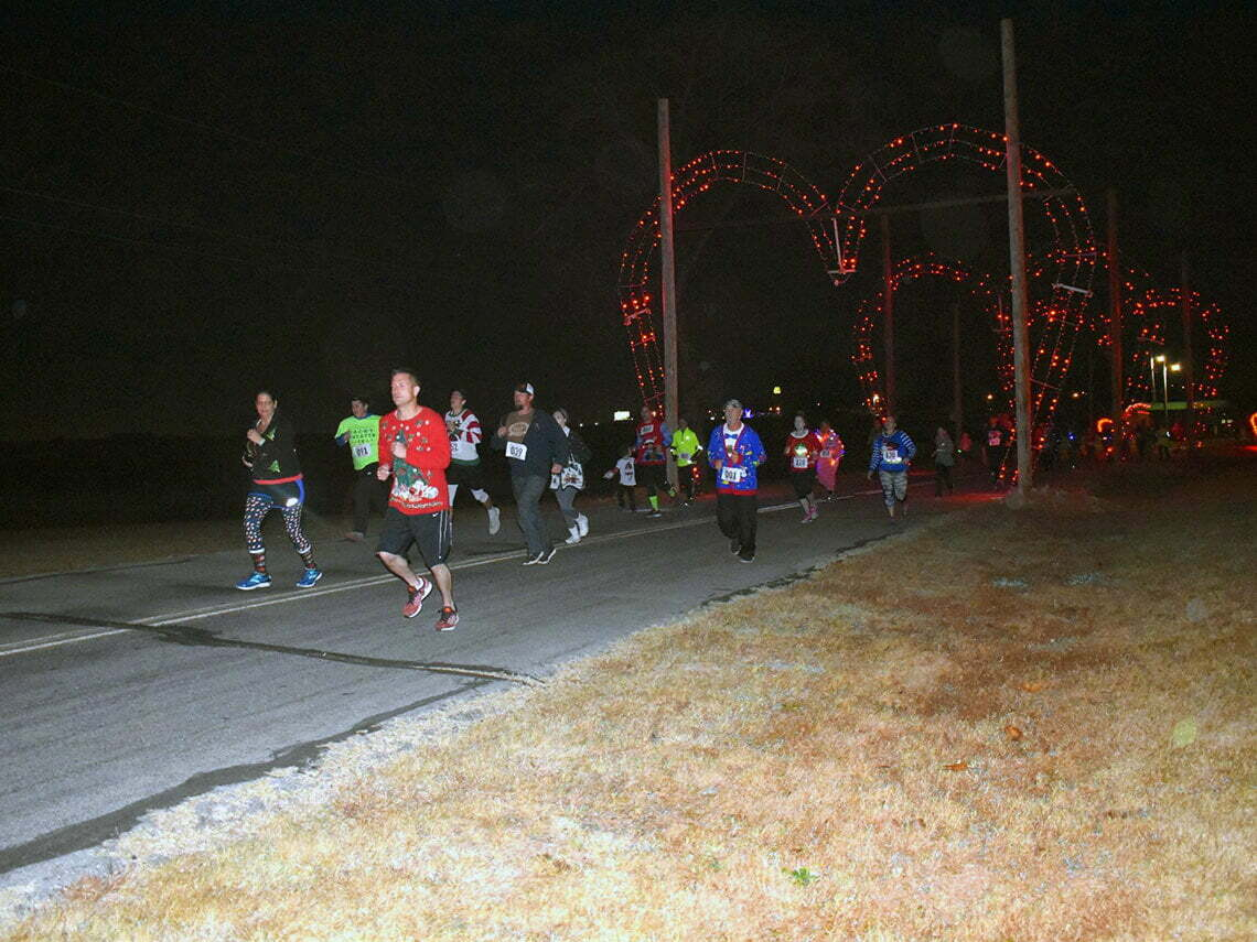picture of runners on a road in purcell oklahoma