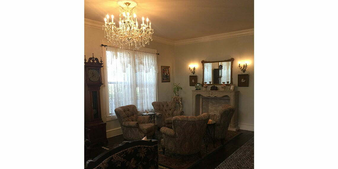 view of the parlor in rosewood inn in rush springs oklahoma