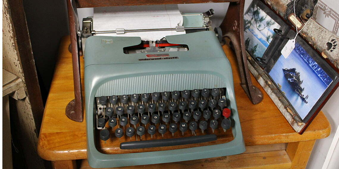 typewriter at this and that vintage in maysville, Oklahoma